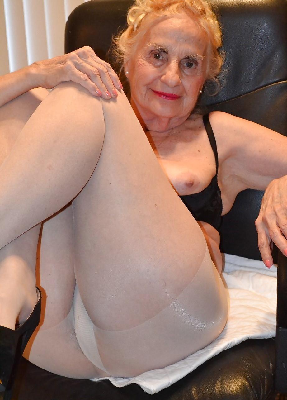 Matures and pantyhose com