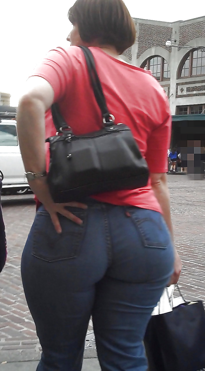 Wide asses