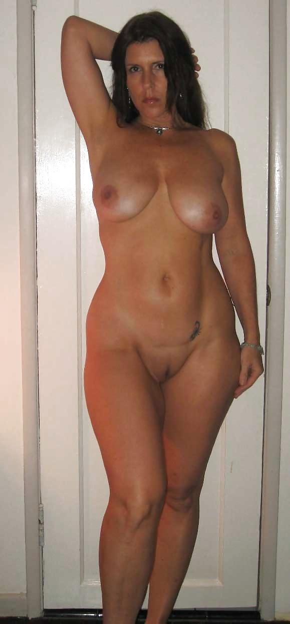 Super sexy busty mom is a human toilet 666bukkake 8